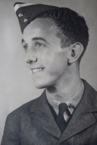 George Lemon pictured during his wartime service with the RAF